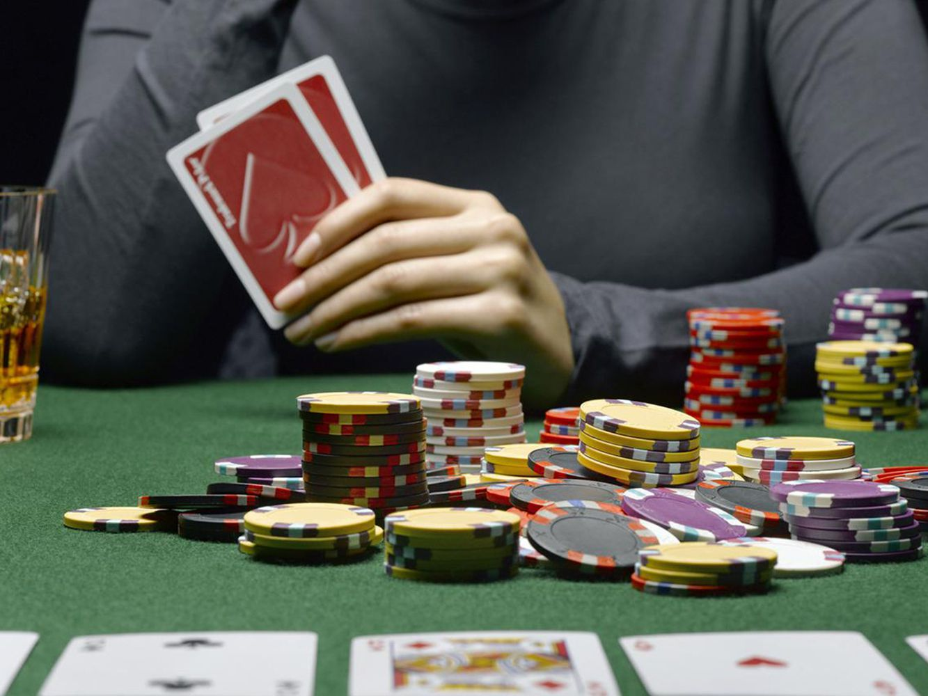 Poker Strategies – How To Play Poker With A Better Strategy